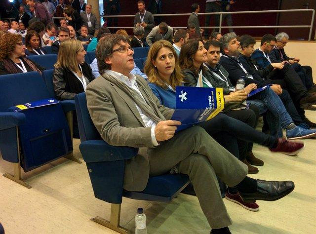 Carles Puigdemont, Marta Pascal y Mercè Conesa
