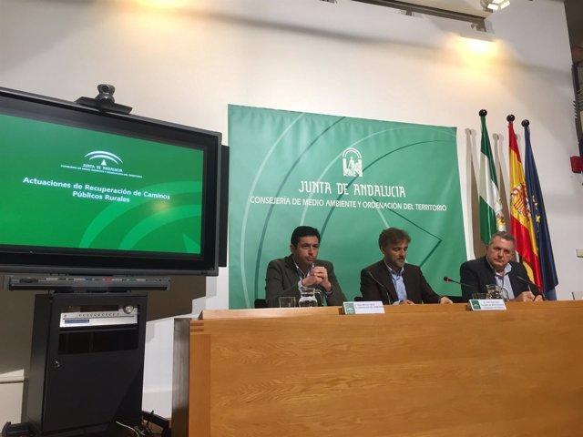 El consejero de Medio Ambiente informa en rueda de prensa sobre la materia