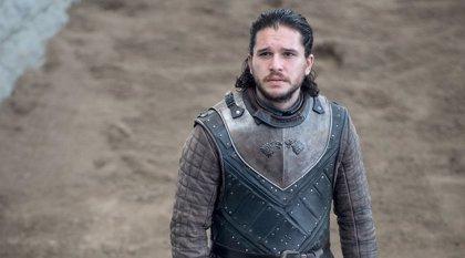 Una actriz de Juego de tronos tumba una teoría muy loca sobre Jon Snow