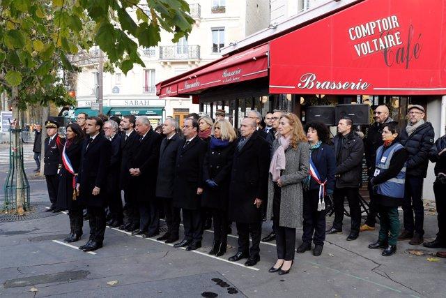 Homenaje a las víctimas de los atentados de París