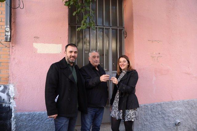 Murgui y Paco Pérez entregan las llaves