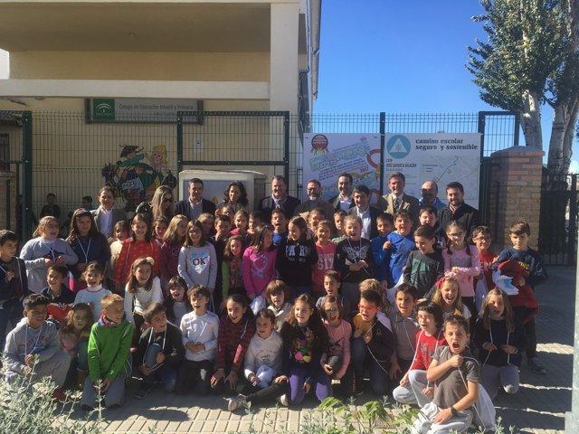 Inauguración del camino escolar seguro y sostenible del colegio José Garnica.