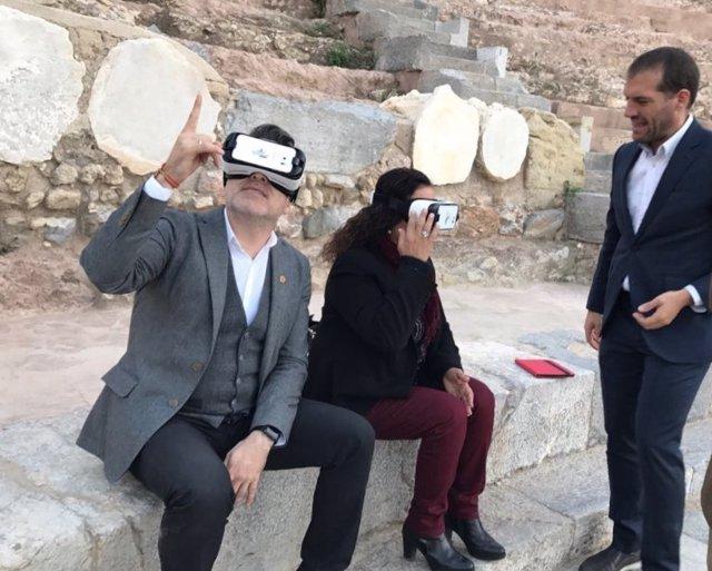 Lorca, probando la tecnología para la visita inmersiva al Teatro Romano