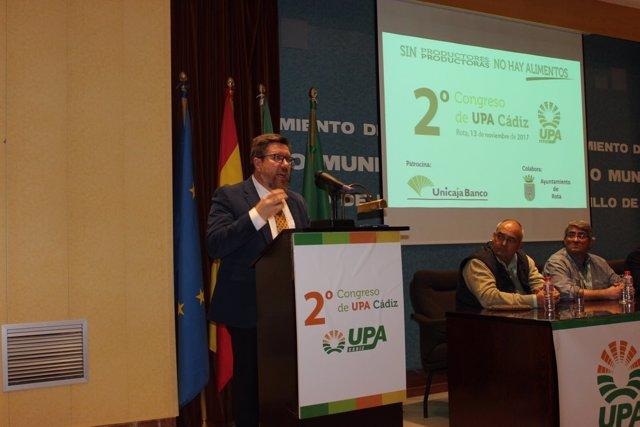 Sánchez Haro en un congreso de UPA Cádiz