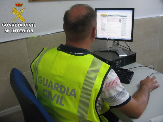 Guardia Civil: Remitiendo Nota De Prensa