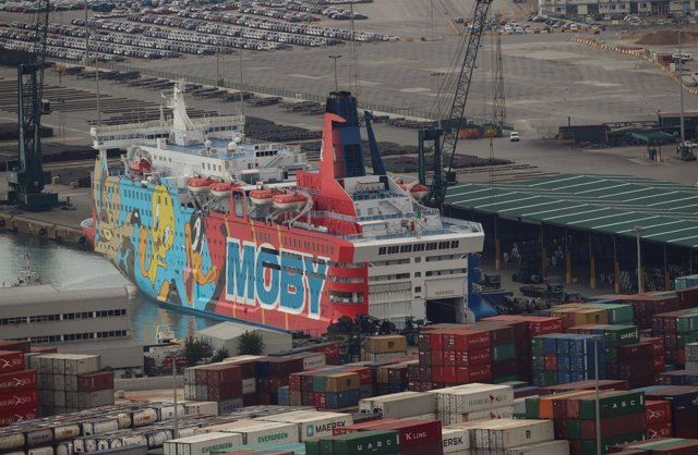 Moby Dada o barco Piolin fletado por Interior en Barcelona