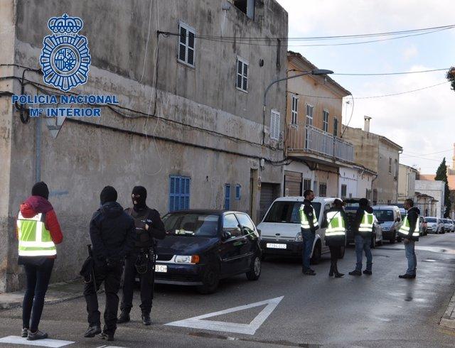 Desmantelados tres puntos de venta de droga y detenidas tres personas en Porto Cristo