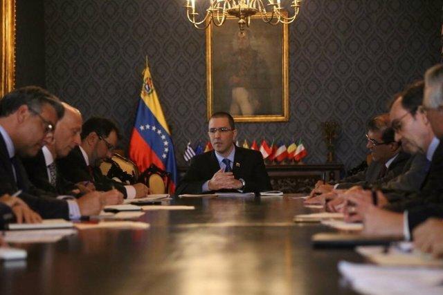 Jorge Arreaza se reúne con diplomáticos europeos