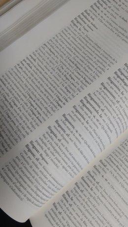 Diccionariu de la llingua asturiana.
