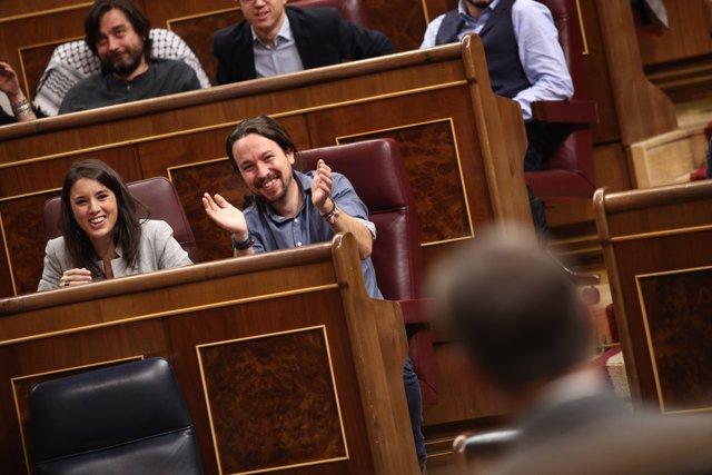 Irene Montero i Pablo Iglesias a la sessió de control al Govern al Congres