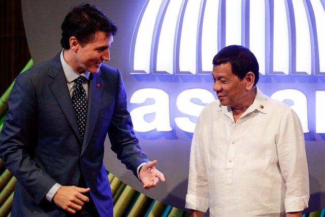 Duterte y Trudeau en la cumbre de Asia Oriental en Manila