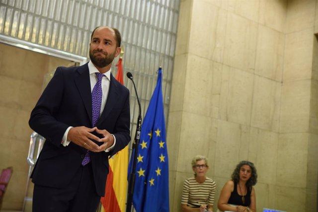 Secretario de Estado de Empleo, Juan Pablo Riesgo, se reúne con CCOO, UGT, CEOE