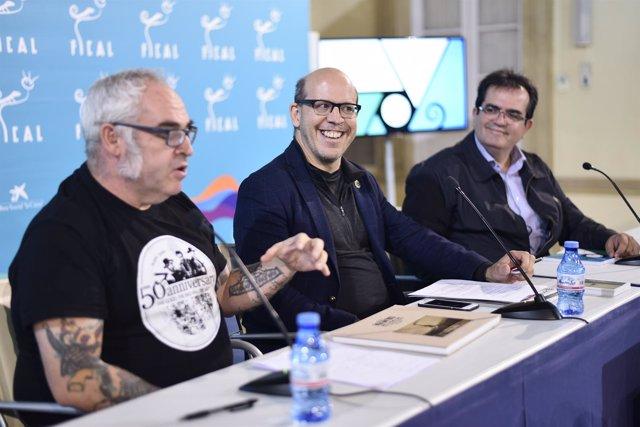 El fotógrafo ha presentado su libro sobre Almería en el Palacio Provincial.