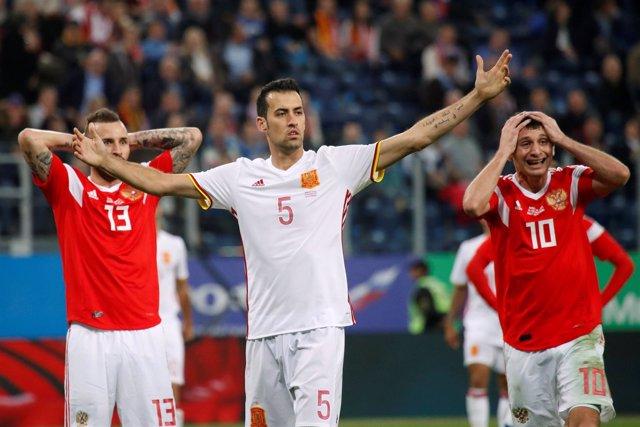 Sergio Busquets con la selección española