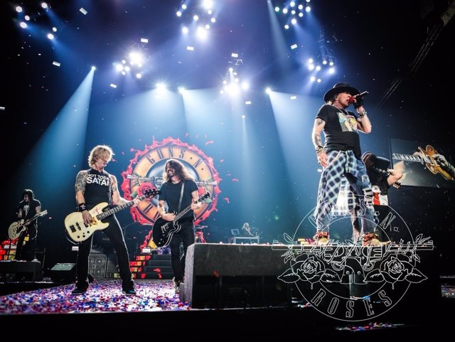 GUNS N ROSES CON DAVE GROHL