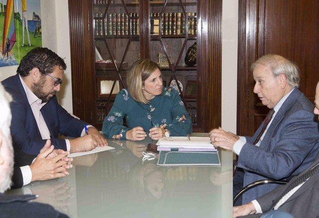 Reunió de Diputación con Academia de Ciencia Regional