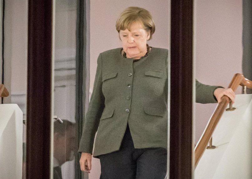 """Merkel apela a sus futuros socios de coalición a hacer """"un esfuerzo"""" para cerrar el acuerdo"""