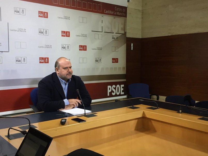 """PSOE destaca la """"valía"""" de Llorente y dice que el PP le crítica para """"tratar de desestabilizar el pacto de investidura"""""""