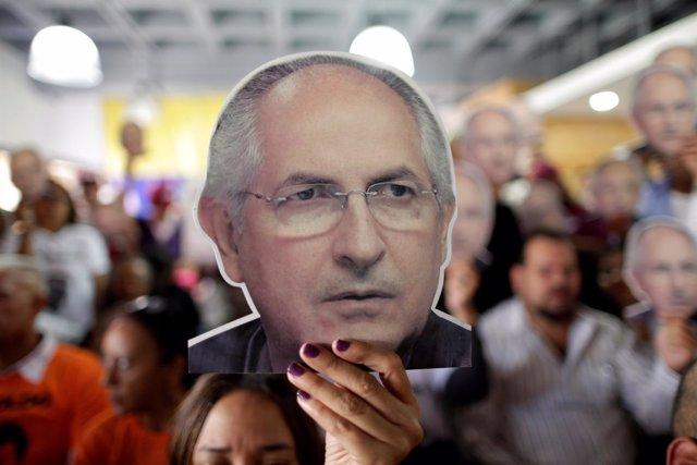 Cartel con la cara de Antonio Ledezma