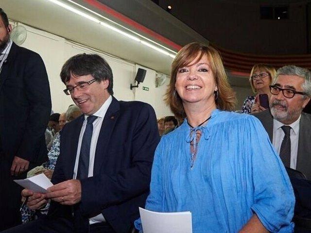 El pte.C.Puigdemont y la consellera cesada M.Borràs.