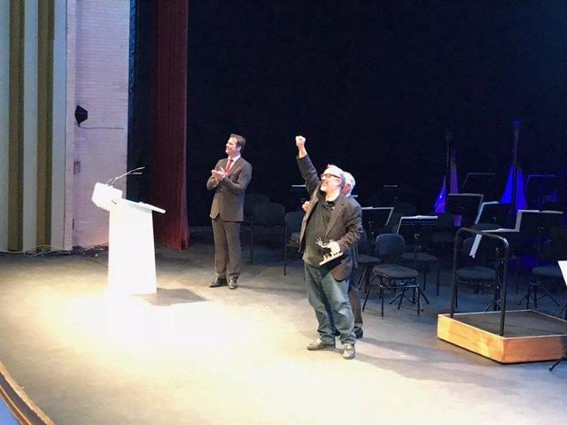 El director Álex de la Iglesia, al recibir su Premio 'Almería, Tierra de Cine'.