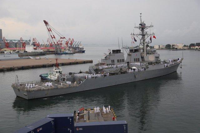 El 'USS Benfold' en Qingdao, Shandong, China