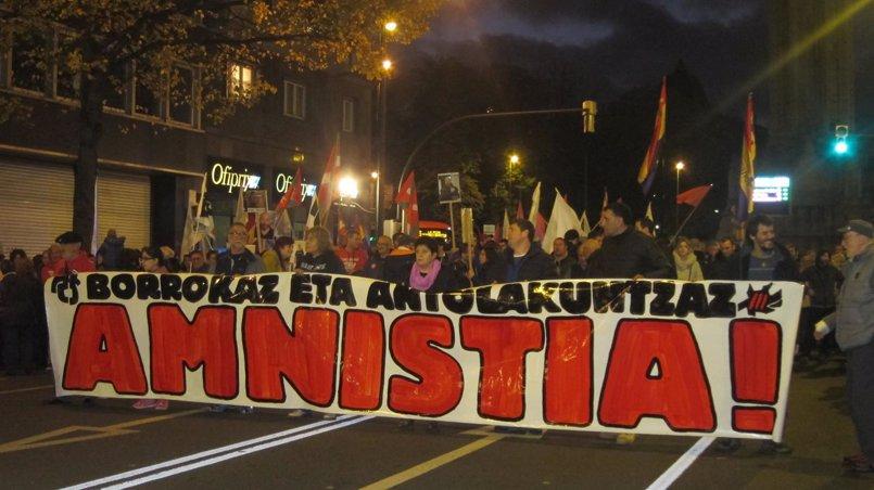 """ATA reclama con una manifestación en Bilbao la amnistía para los presos de ETA y advierte de que sin ella """"no hay paz"""""""
