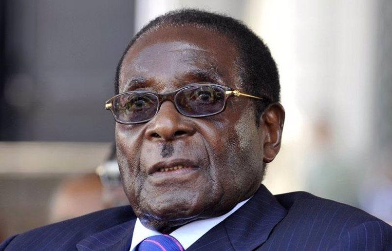 Mugabe ultima ya con el Ejército el texto final de su dimisión, según fuentes próximas a las negociaciones