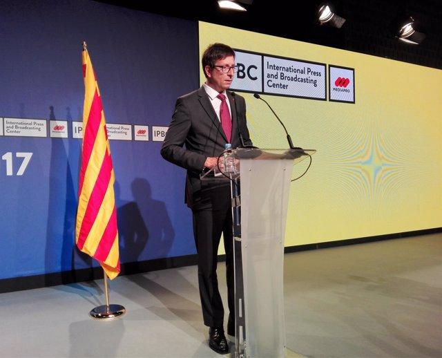 El conseller de Justicia, Carles Mundó, en rueda de prensa