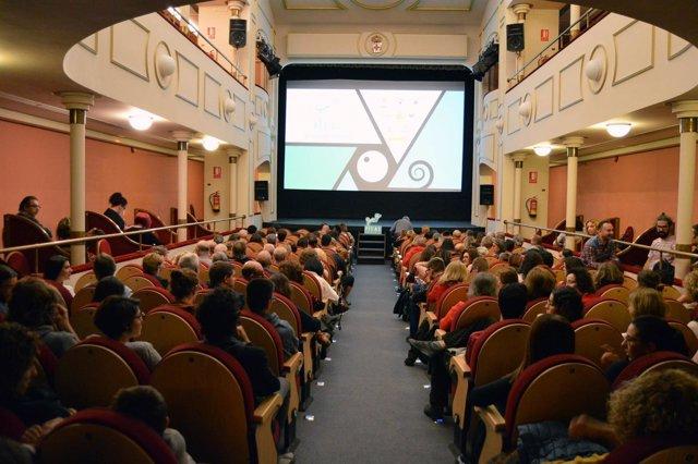 Sesión de cortos en el Teatro Apolo de Almería