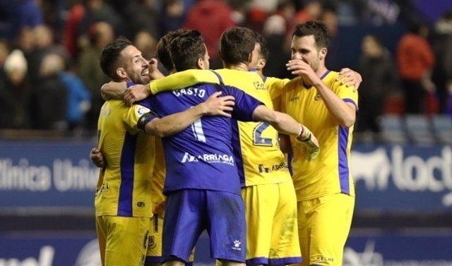 Alcorcón gana a Osasuna