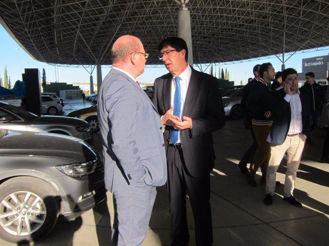 Juan Marín habla con el alcalde de Jaén, Javier Márquez