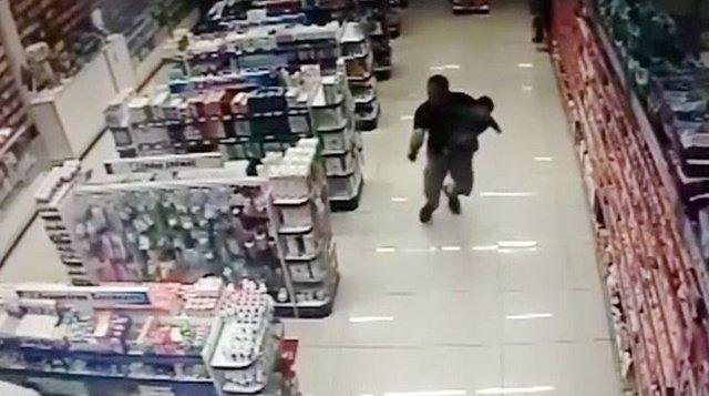 Policía brasileño evita un robo