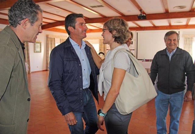 La ministra de Agricultura, Isabel García Tejerina, se reúne regantes Condado.