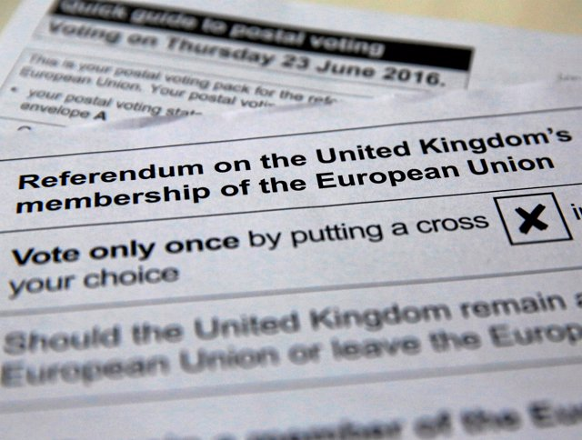 Papereta votació Brexit