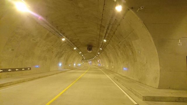 Túnel en autopista colombiana entre Bogotá y Villavicencio gestionada por Indra