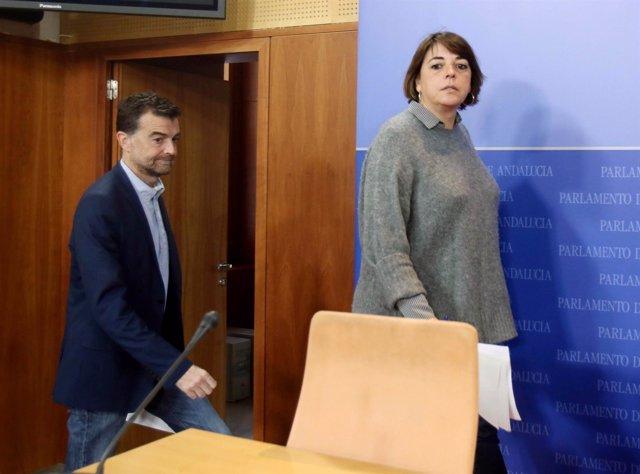 Antonio Maíllo y Elena Cortés en la rueda de prensa