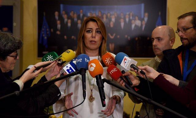 Susana Díaz atiende a los medios en la Unión Europea