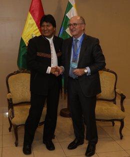 Antonio Brufau con Evo Morales