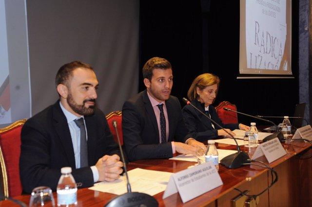 Torralbo (centro), en la inauguración del encuentro