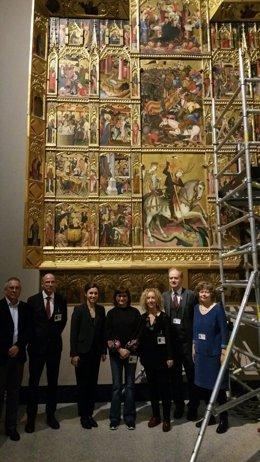 Retablo de San Jorge del Centenar de la Ploma en el Victoria & Albert Museum