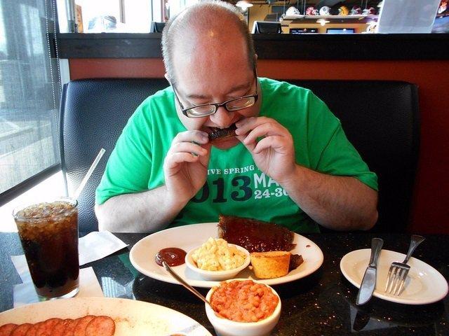 Comer, hombre, comida, colesterol, costillas