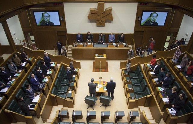 Homenaje en el Parlamento a Santiago Brouard