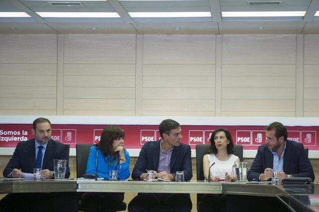 Pedro Sánchez preside la reunión de la Permanente del PSOE en Ferraz