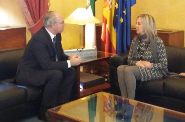 El presidente del Parlamento recibe a la fiscal superior de Andalucía