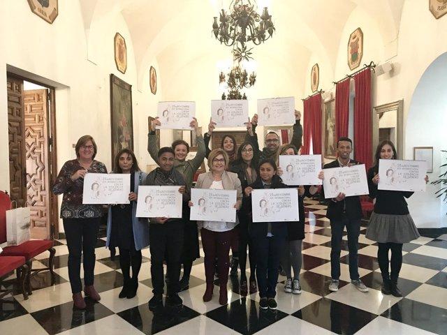 Asociaciones de diversos países visitan la Diputación de Cáceres