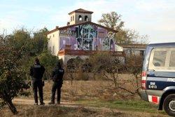 Els Mossos desallotgen el CSO 'La Chispa' de Lleida per ordre judicial (ACN)