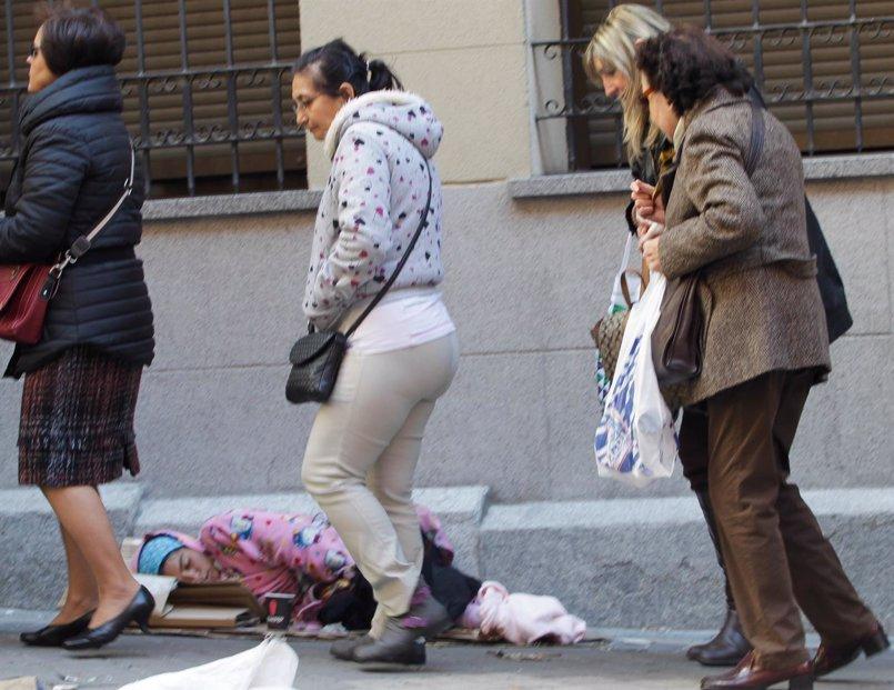 Caritas estima que hay unas 3.000 personas sin hogar pernoctando en las calles de Madrid