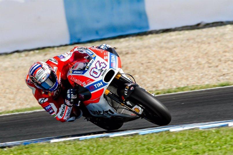El italiano Dovizioso, mejor tiempo en MotoGP y récord del circuito en el test de Jerez