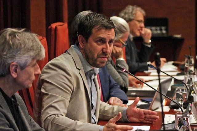 El conseller Toni Comín en la comisión de Salud del Parlament